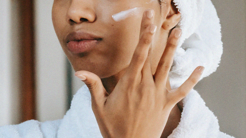 The Best Skincare Tips For Oily And Acne-prone Skin, According To A Dermatologist