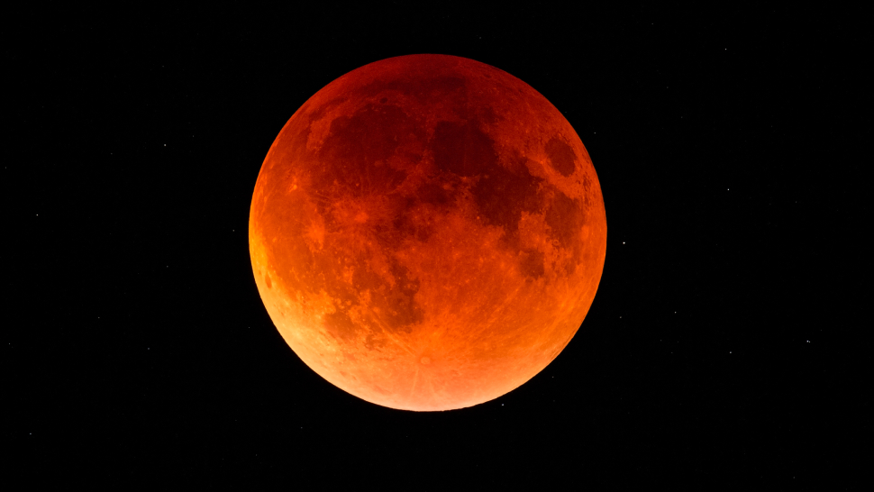 Psa: Don't Miss The Super Blood Moon This Wednesday, May 26