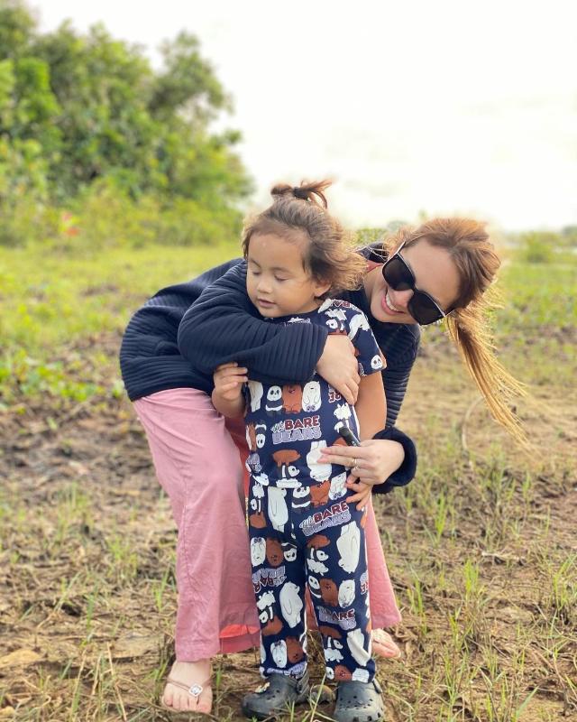 Ellen Adarna with her son Elias