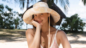 Anne Curtis' Ootd In Palawan Is Proof We All Need A Pastel One-piece Swimsuit