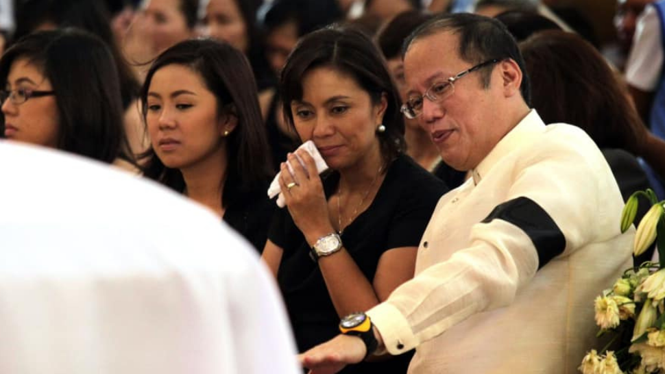 Vp Leni Robredo Recalls Pnoy's Kindness After Seeing Her Shoes Fall Apart