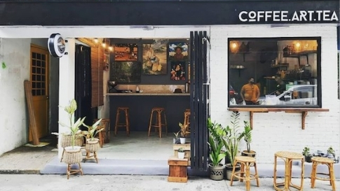 You'll Want To Try The Coffee At This Tiny Sidewalk Café In Poblacion