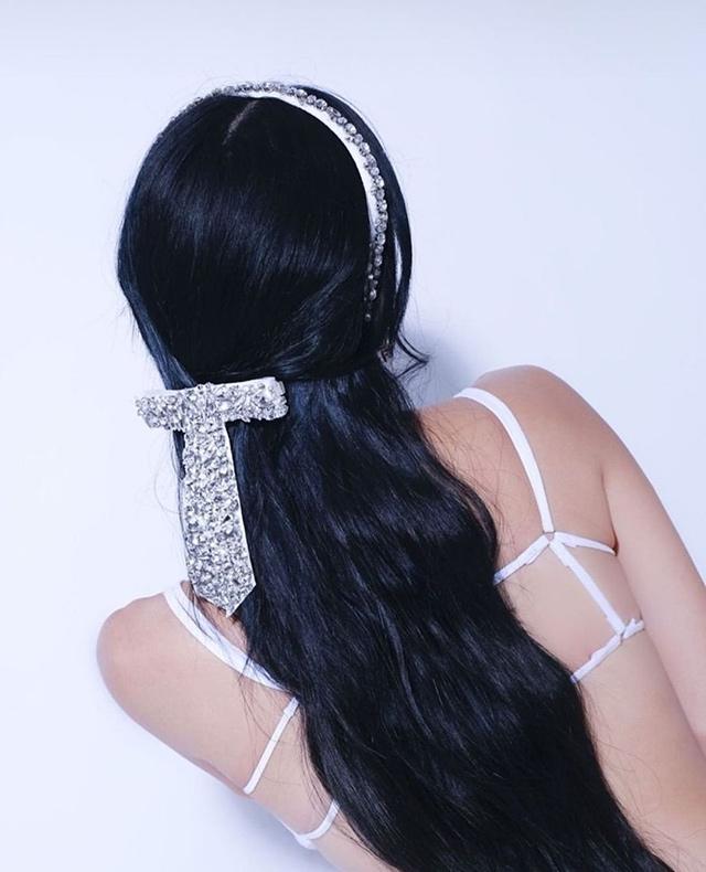 heart evangelista wearing jennifer behr crystal accessories