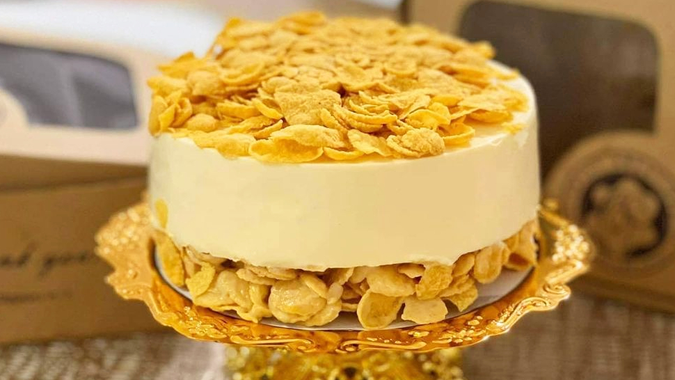 This One-of-a-kind Yakult Cheesecake Gets A Crunchy Twist