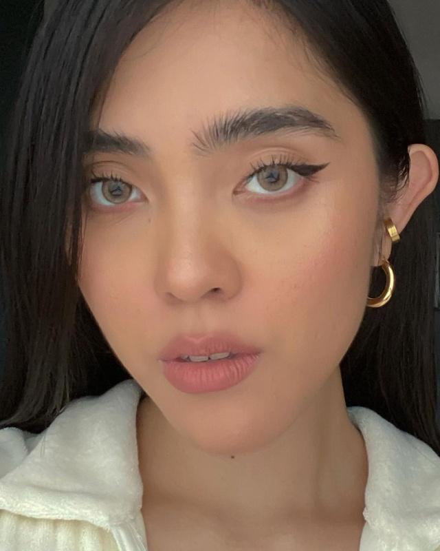 hapakristin contact lens