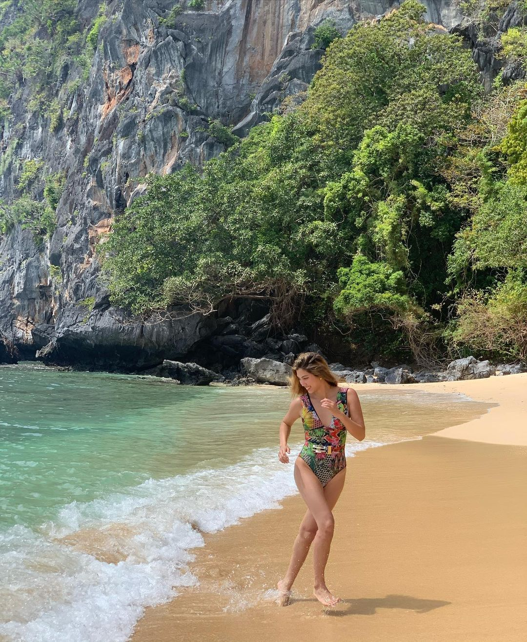 nicole cordoves beach ootds