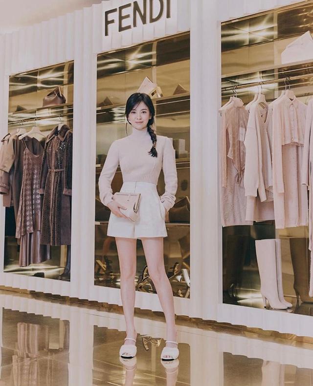 song hye kyo wearing fendi