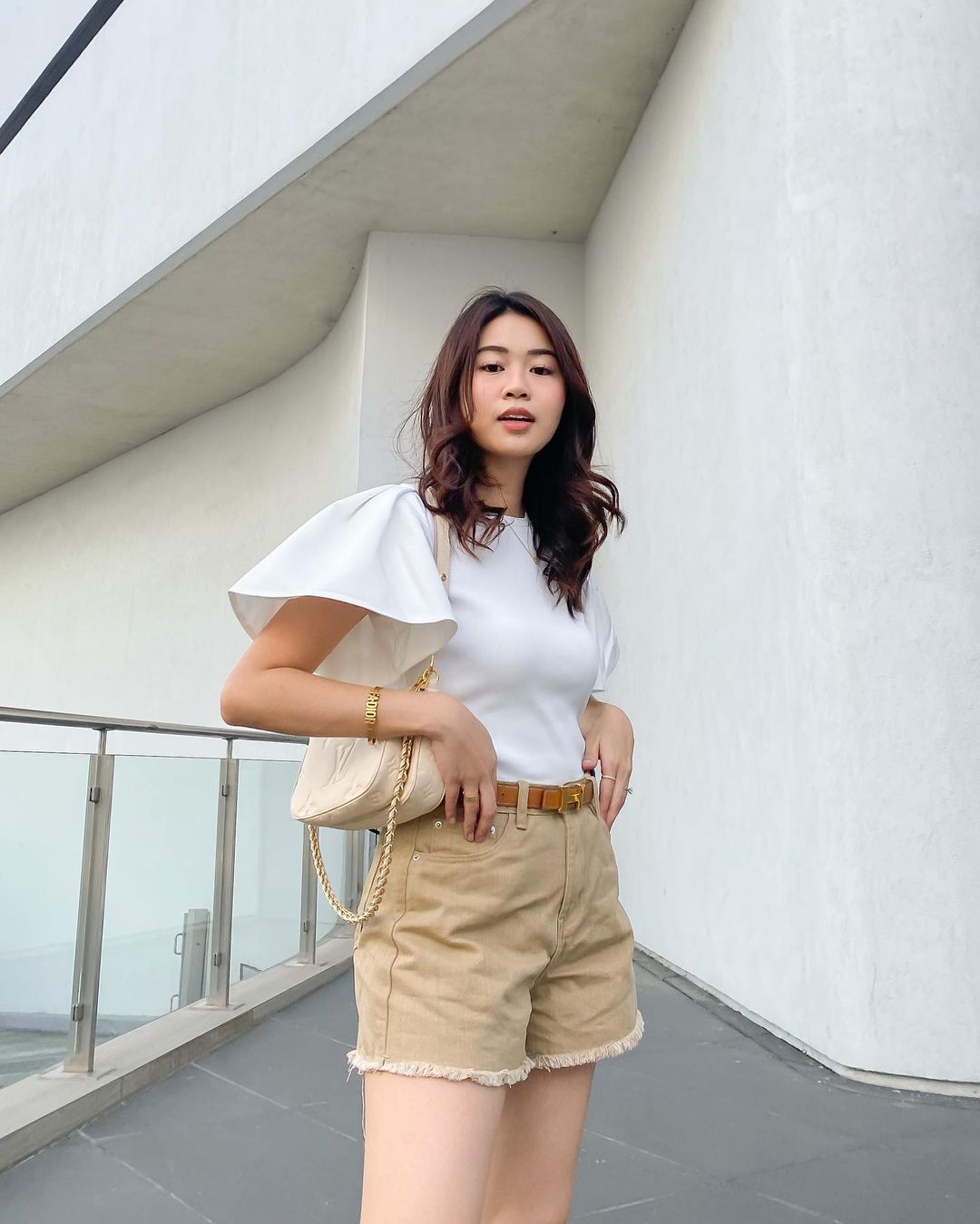 high waisted shorts outfits, as seen on influencers