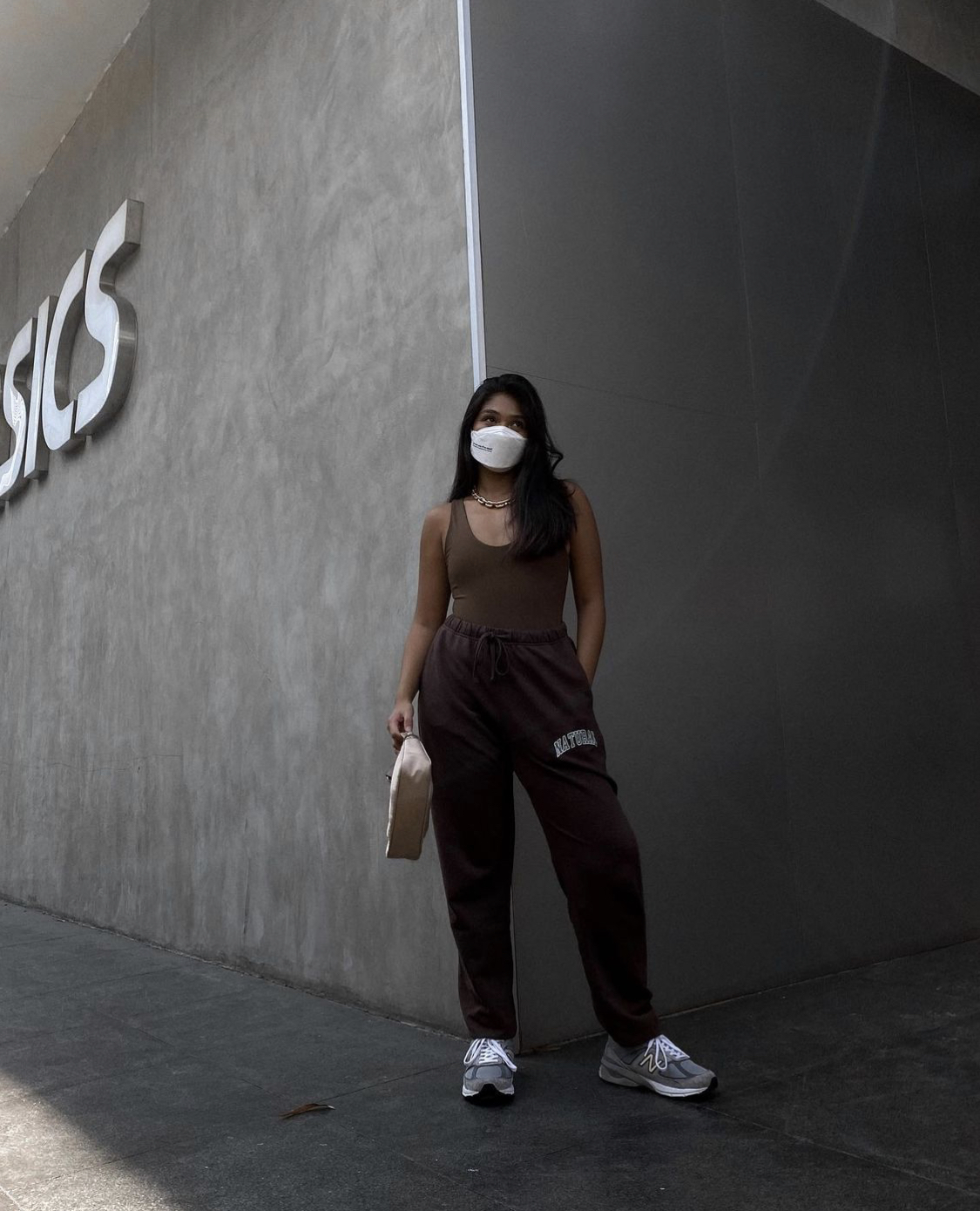 how to style unisex sneakers, as seen on influencers