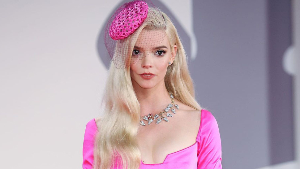 Anya Taylor-joy Looked Like A Living Doll In Barbie Pink At The Venice Film Festival