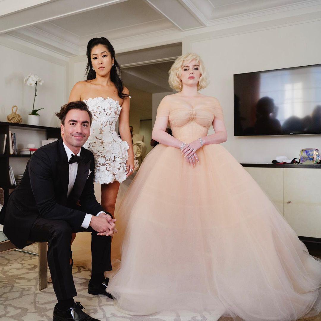 billie eilish's holiday barbie-inspired oscar de la renta met gala look
