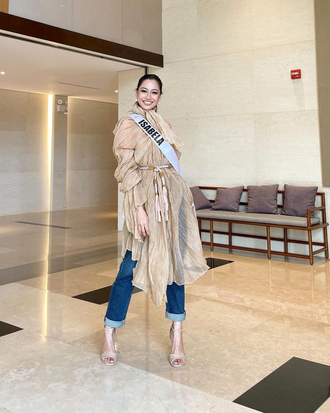 miss universe philippines isabela jan abejero's neutral outfits