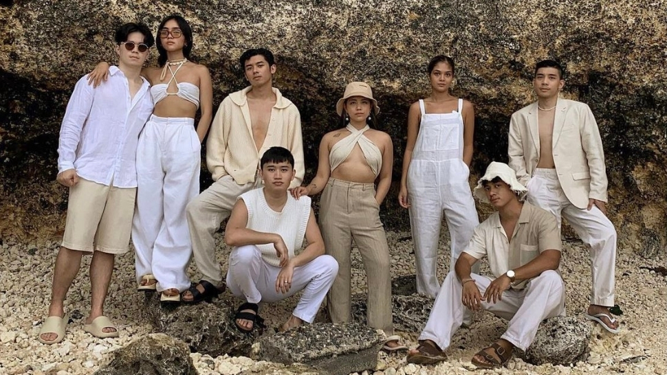 We're Obsessed With This Influencer Barkada's Perfectly Coordinated Monochrome Outfits