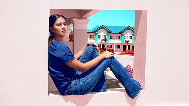 Classic Beauty Addie Manzano Shows Us 6 Things to Pair with Flared Jeans