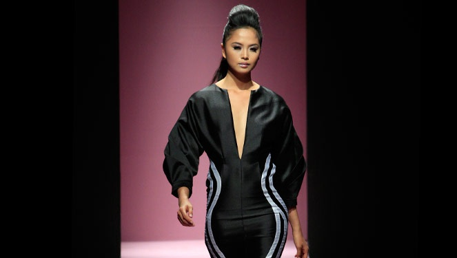 Phfw Holiday 2013: Xernan Orticio