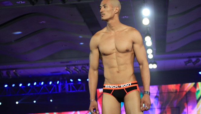 Phfw Holiday 2013: Bench Body