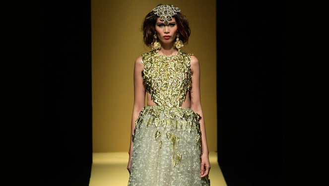 Phfw Holiday 2013: Tina Daniac