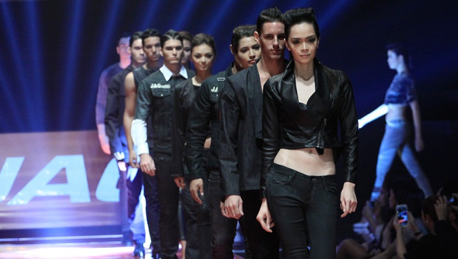 Phfw Day 3 Review: Jag / Jag Origins Holiday 2013