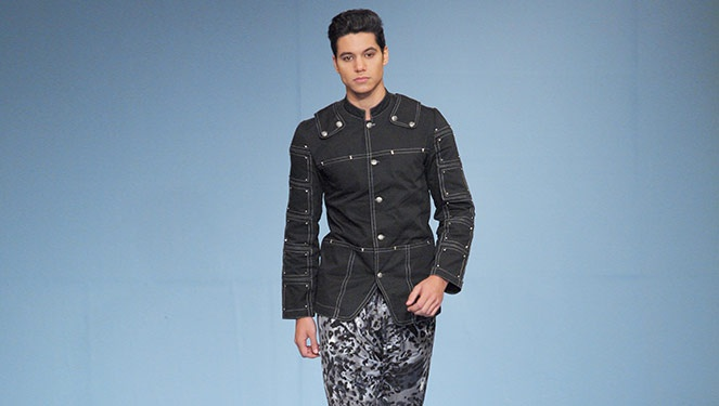 Phfw Holiday 2013: Zxander Tan