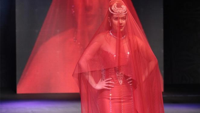 Shaina Magdayao Walks For Amir Sali's Gala Show