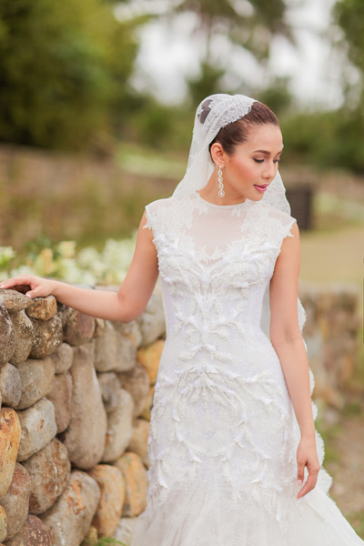 Karylle S Wedding Gown Made By Dubai Based Designer Furne One Was Beautifully Detailed And Stunning We Can T Help But Marvel Over The Texture