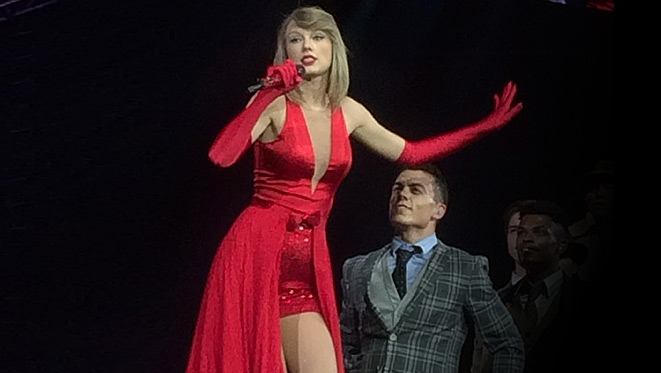 Taylor Swift Sizzled In Red
