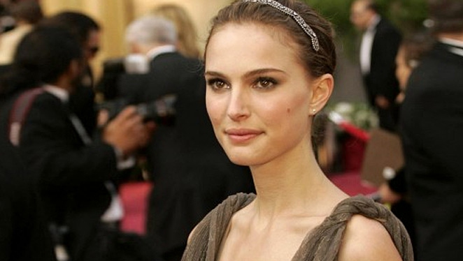 8 Natalie Portman Screen Looks We'll Never Forget