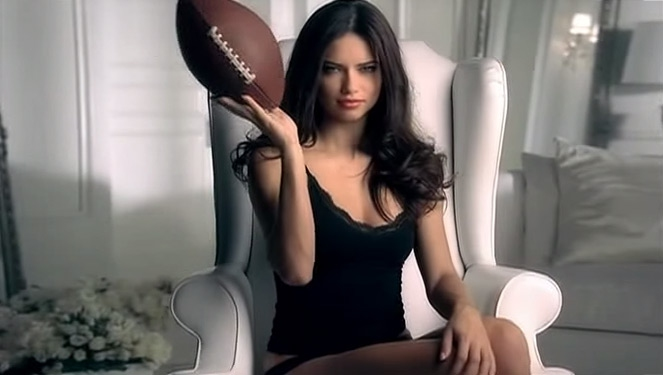 Adriana Lima X Super Bowl