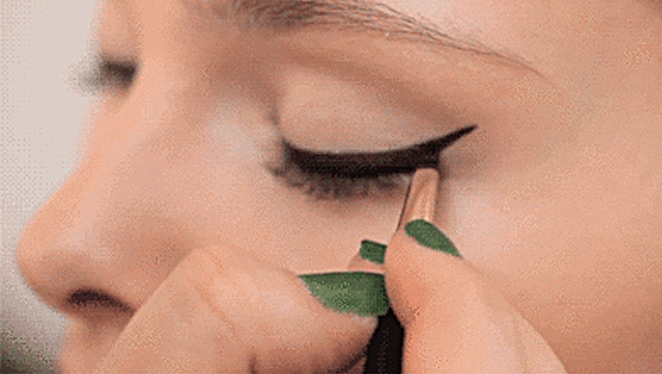 Do-it-yourself: Turn Your Kohl Pencil Eyeliner Into A Gel Eyeliner