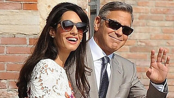 Updated: George Clooney's Wife Walks Down The Aisle In Oscar De La Renta