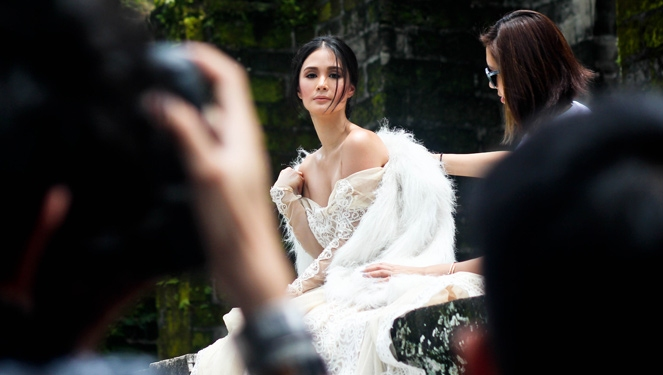 Watch: Behind-the-scenes Of Preview October 2014 With Heart Evangelista