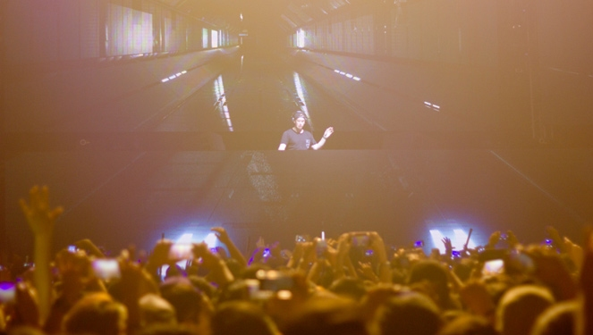 Who Came To Party Hard At Hardwell In Manila?