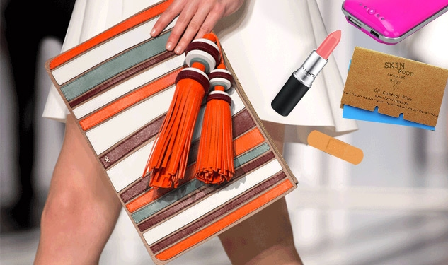 What To Bring To Fashion Week