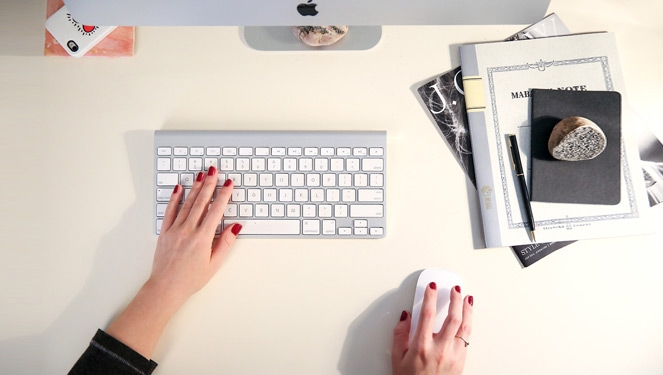 6 Easy Steps For Styling Your Work Desk