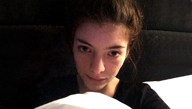 Instagramming Before Bed Could Ruin Your Looks