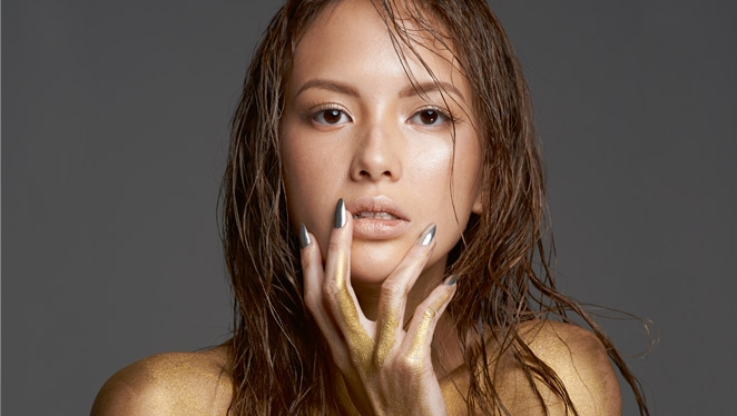 Here's What Ellen Adarna Sprays On Her Naked Body
