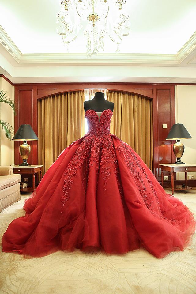 Julia Barretto\'s Debut Dress | Preview