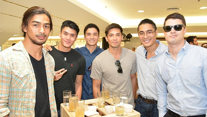 Hot Men Who Shop