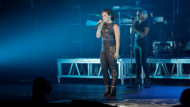 Get Demi Lovato's Strong Look At Her Manila Concert