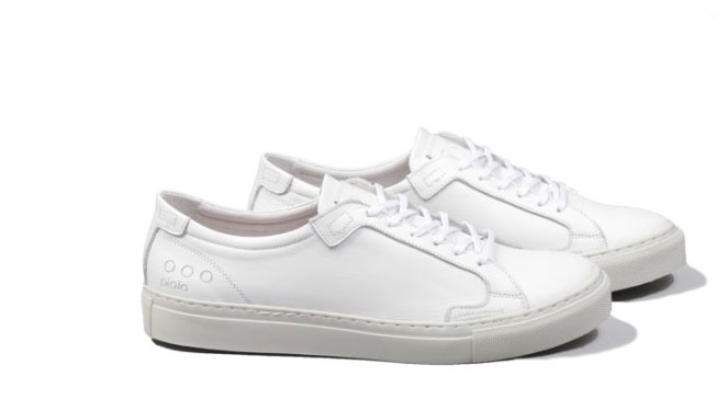 Shop: The Perfect Leather Sneakers For Your All White Outfits