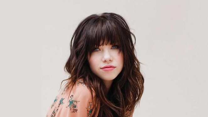 You Have To Listen To Carly Rae Jepsen's 80s Slow Jam