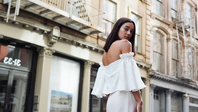 5 Bloggers Make The Case For Off Shoulder Tops This Week