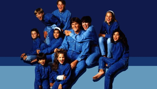 See: 10 Throwback Family Photos Of The Kardashians