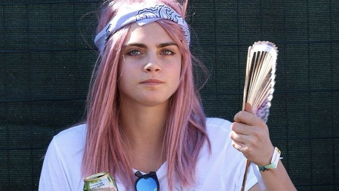 Cara Delevingne Dyed Her Hair Pink!