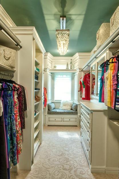 how to organise walk in wardrobe