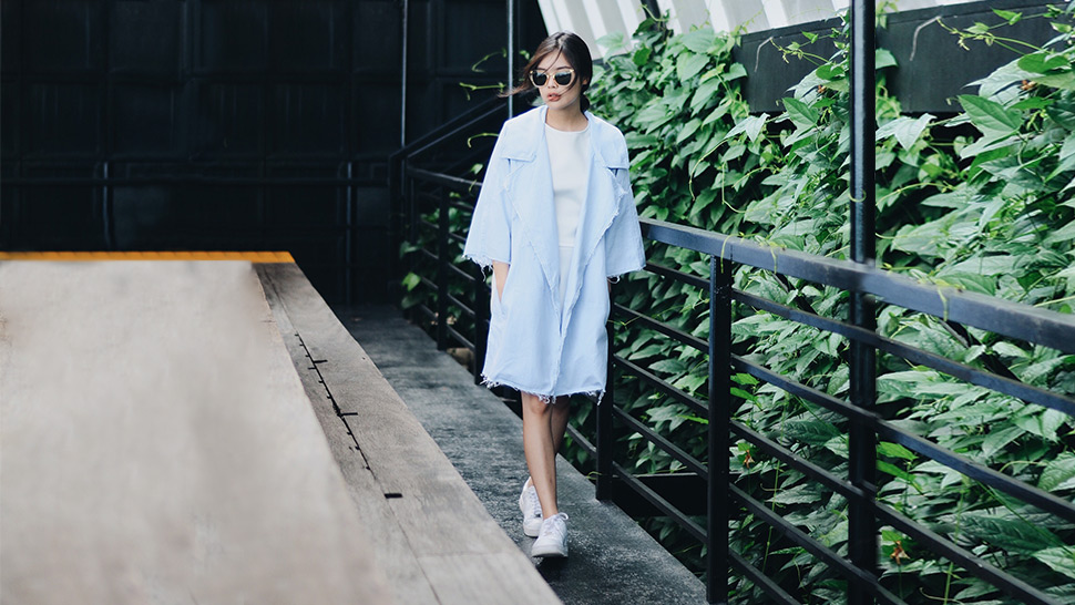 5 Bloggers Who Rocked White Sneakers This Week
