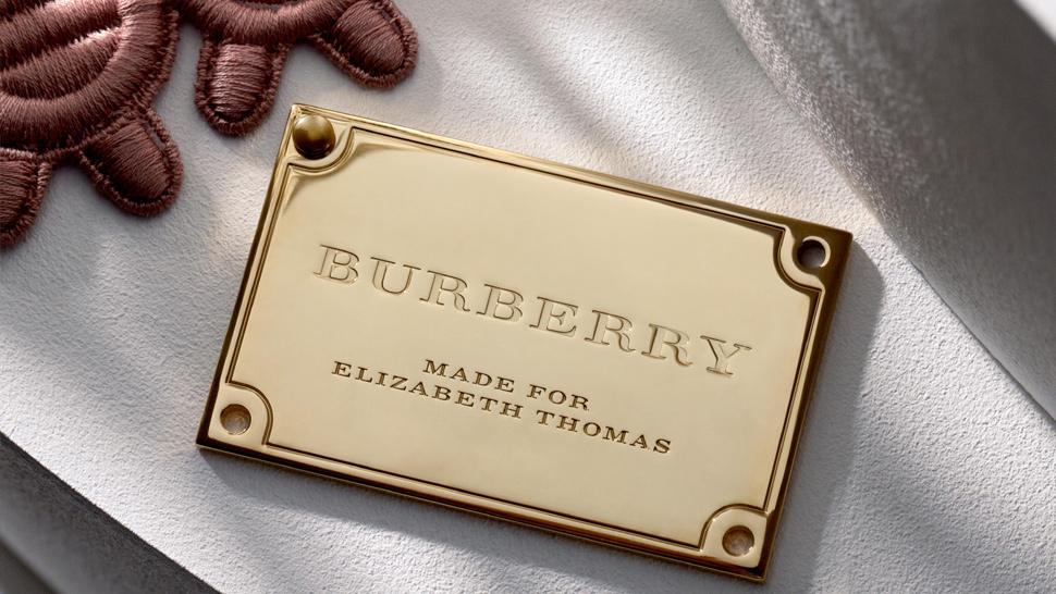 London Fashion Week Streaming: Burberry Ss 2016 On Snapchat!