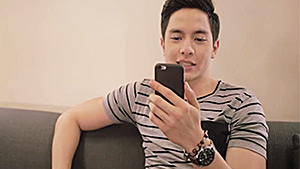 Watch: Alden Richards, Pauleen Luna, And More Local Celebs Read Mean Comments