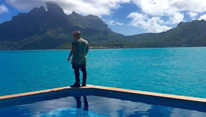 Justin Bieber Was Spotted Strolling Around Naked In Bora Bora!