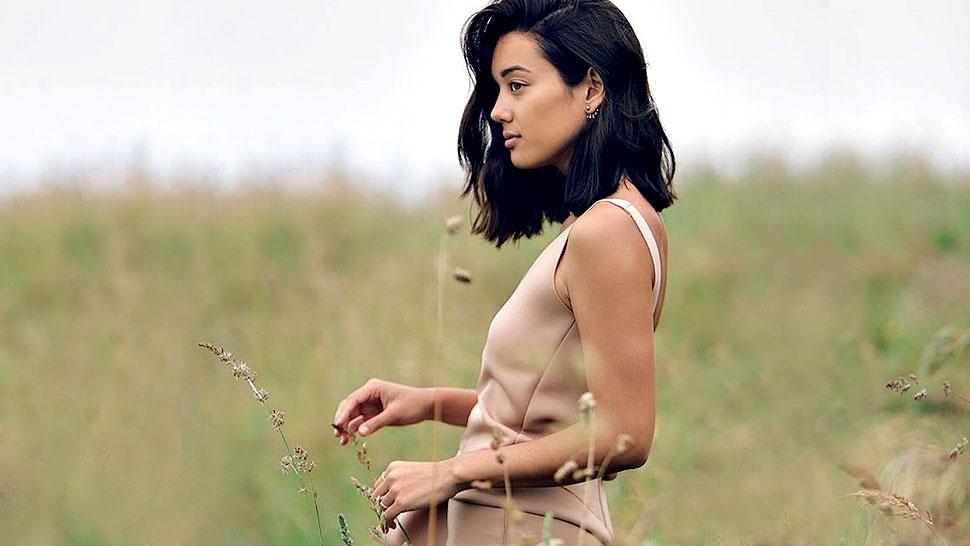 8 Celebs Who Look Chic In Medium-length Hair
